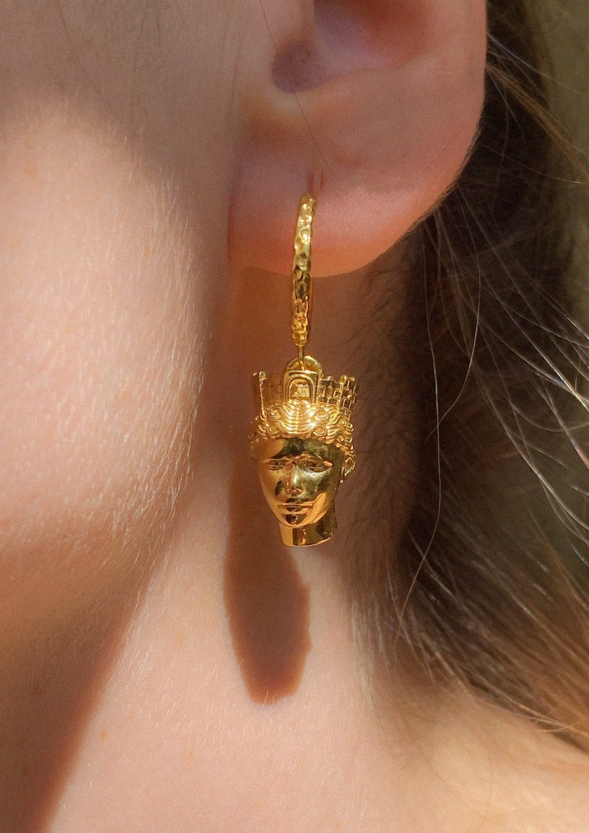TÝCHE SMALL HEAD EARRINGS