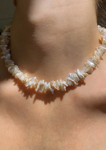 ISLAND ROSE PEARL NECKLACE