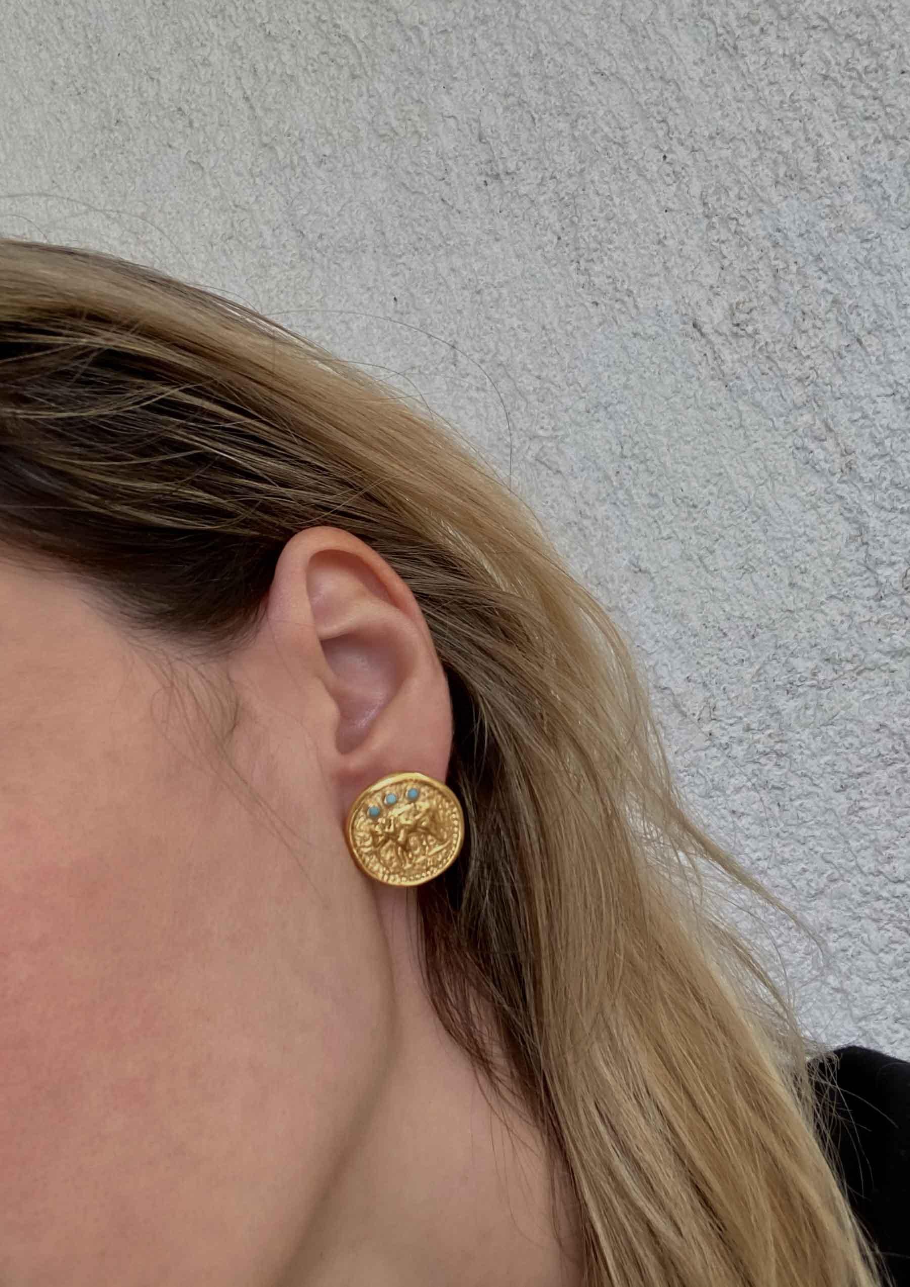 AKIRA LARGE PIN EARRINGS